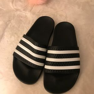 adidas Shoes - Same day shipping📫 Adidas slides